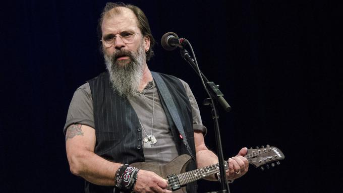 Steve Earle And The Dukes at Murat Egyptian Room